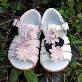Sandalia niña flores Chuches
